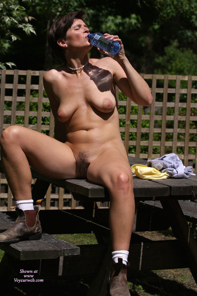 http://wiki.voyeurweb.com/images/2/24/20081130-89564-3-vanessaB.jpg:: www.fusker.lv/index.php?lid=454187