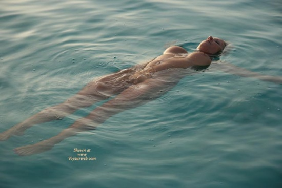 Floating Nude 109