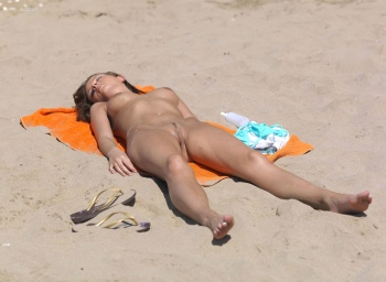 Question opinion girls sunbathing nude not