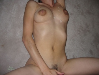 wife on sit on dildo