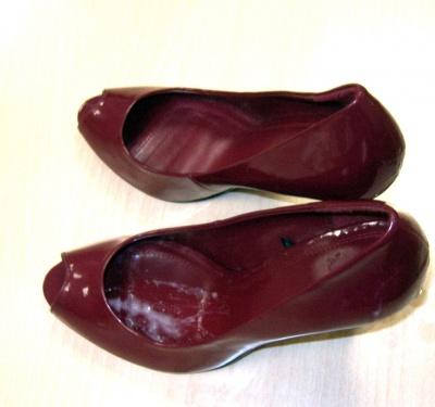 cum in her shoes