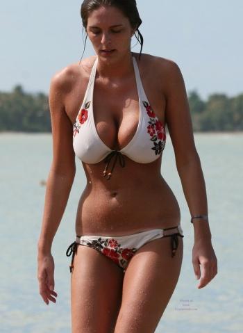 Tit big Nude beach